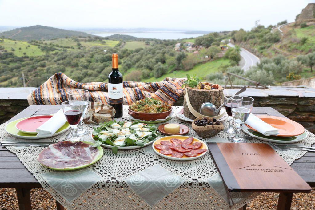 Gastronomia 1024x683 O Local
